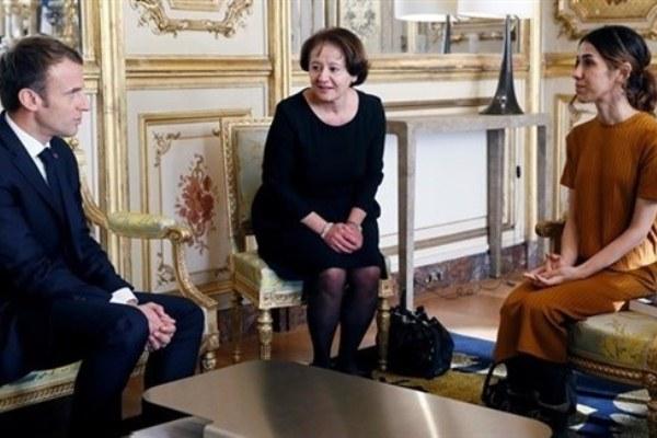ماكرون مجتمعا في الاليزيه مع الناشطة الايزيدية الحاصلة على جائزة نوبل نادية مراد