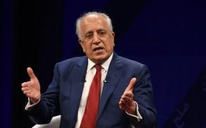 موفد واشنطن لشؤون أفغانستان زلماي خليل زاد يتحدث في محطة تولو التلفزيونية في كابول بتاريخ 28 نيسان/ابريل 2019