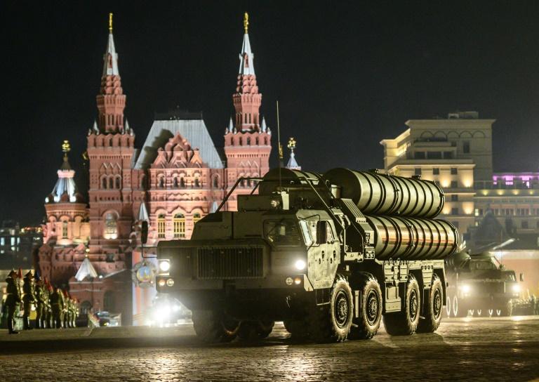 بطارية اس-400 روسية للدفاع الجوي الصاروخي