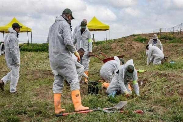 فتح مقابر جماعية في العراق