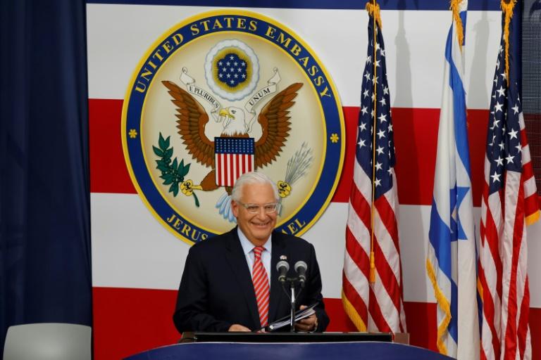صورة من الارشيف التقطت بتاريخ 14 مايو 2018 تظهر السفير الأميركي لدى إسرائيل ديفيد فريدمان أثناء القائه خطابا خلال افتتاح السفارة في القدس