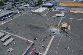 جانب من الاضرار التي لحقت مطار ابها بعد اعتداء حوثي استهدف المدنيين