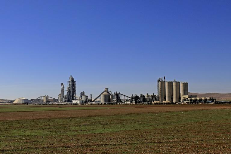 مصنع الاسمنت الذي تملكه شركة لافارج في شمال سوريا 19فبراير 2018