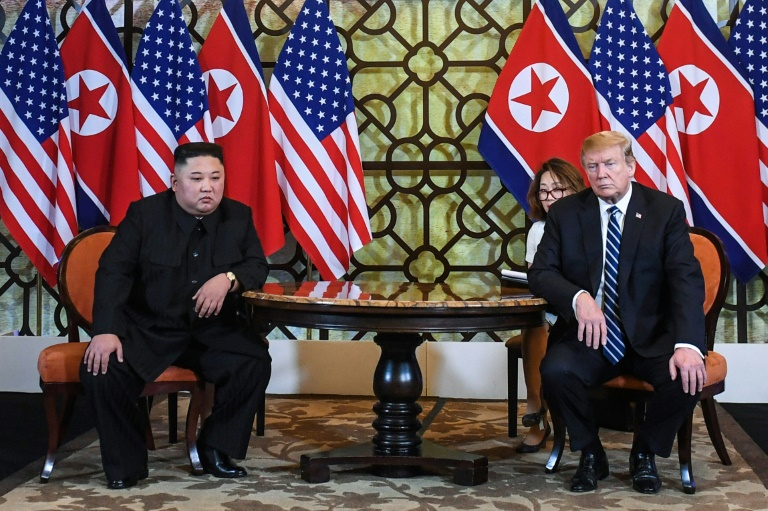 اجتماع بين الرئيس الاميركي دونالد ترمب والزعيم الكوري الشمالي كيم جونغ أون في هانوي بتاريخ 28 فبراير 2019