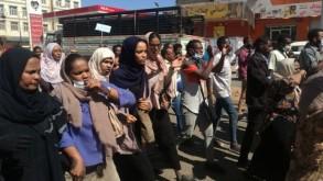 متظاهرات في الخرطوم