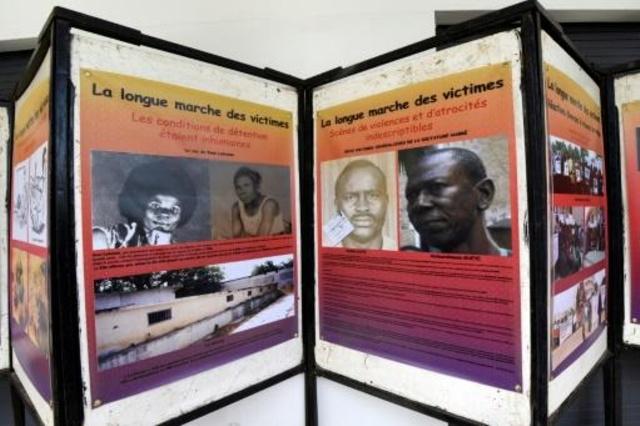 معرض عن نظام الرئيس التشادي السابق حسين حبري نظم في دكار لمناسبة محاكمته، في 15 تموز/يوليو 2015.