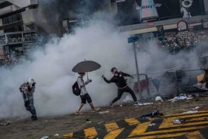 توترات في هونغ كونغ رافقت الإعلان عن قرب إقرار مشروع قانون يتم بموجبه تسليم مطلوبين إلى الصين