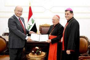 الرئيس صالح يسلم الكاردينال ساكو دعوة العراق الرسمية للبابا لزيارته