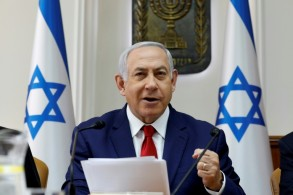رئيس الوزراء الاسرائيلي بنيامين نتانياهو في اجتماع لمجلس الوزراء في 06 كانون الثاني/يناير 2019