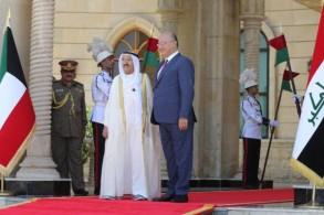 الرئيس صالح مستقبلا أمير الكويت بالقصر الرئاسي في بغداد