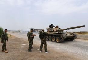 جنود سوريون في ريف حماة الشمالي