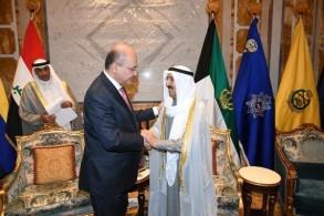 الرئيس صالح ملتقيا أمير الكويت الشيخ الصباح