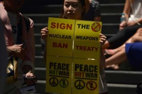 متظاهرون ضد الأسلحة النووية في سيدني الأسترالية في 5 فبراير 2018