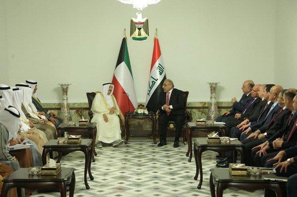 0c90fb5f4 عبد المهدي وأمير الكويت ووفديهما الرسميين خلال مباحثاتهما في بغداد اليوم
