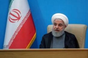 صورة وزعتها الرئاسة الإيرانية للرئيس حسن روحاني خلال اجتماع مع وزراء في طهران في 25 يونيو 2019