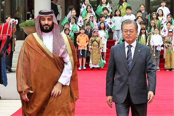 الرئيس الكوري الجنوبي مستقبلًا ولي العهد السعودي