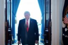 ترمب يحذر إيران من رد أميركي