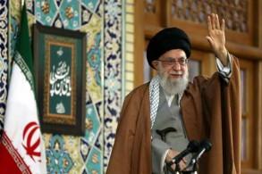 المرشد الأعلى علي خامنئي يتحدث في مرقد الإمام الرضا في مشهد في 21 مارس 2019