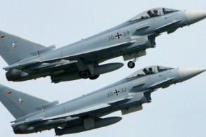 طائرتان حربيتان من نوع يوروفايتر - أرشيفية