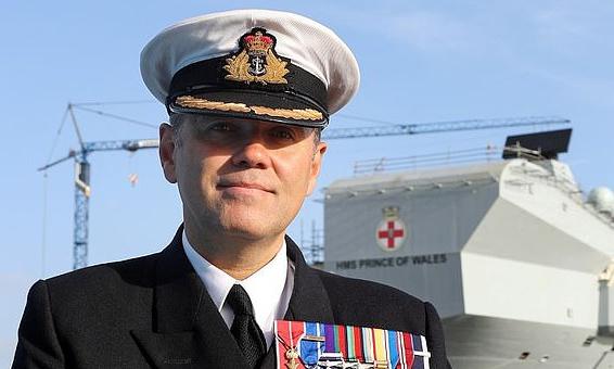 العميد البحري البريطاني نيك كوك - بريست