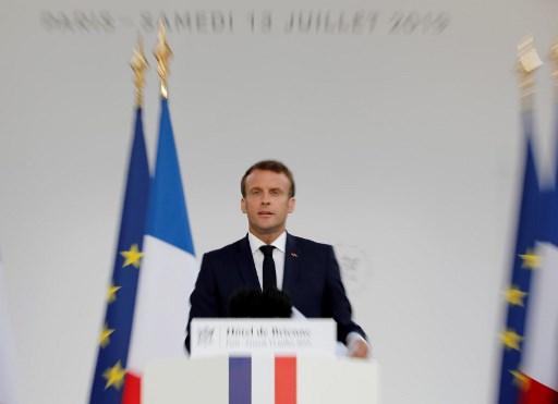 الرئيس الفرنسي ايمانويل ماكرون يلقي خطابه في مقر وزارة الدفاع