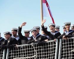 التاج البريطاني مغامر في البحر