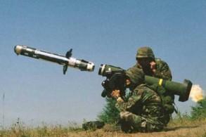 نموذج من صواريخ جافلين التي عثر عليها في غريان