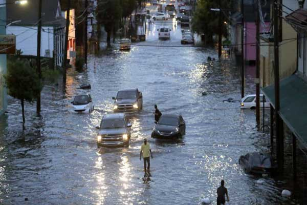 الفيضانات تغمر أجزاء من مدينة نيو أورلينز الأميركية