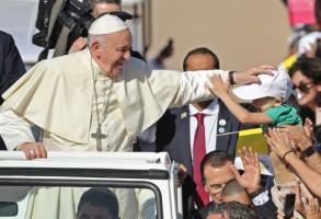 البابا فرنسيس خلال زيارته إلى أبوظبي في فبراير 2019