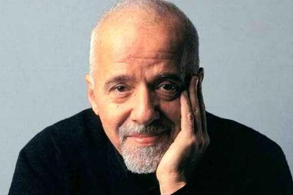 الكاتب البرازيلي باولو كويلو