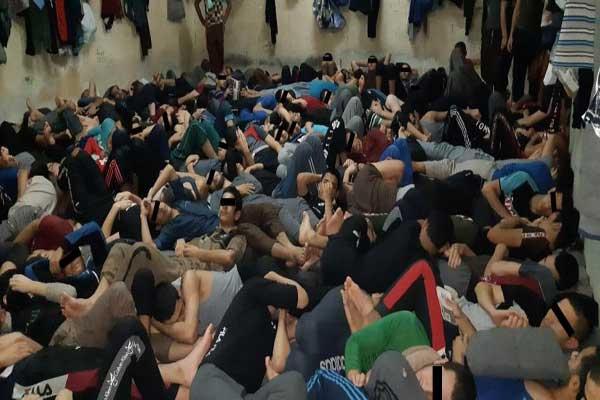 معتقل عراقي يكتظ بالمحتجزين