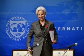 مديرة صندوق النقد الدولي كريستين لاغارد خلال مؤتمر صحافي في طوكيو، في 2 يوليو 2019