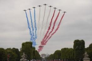 فرنسا تحتفل بالعيد الوطني