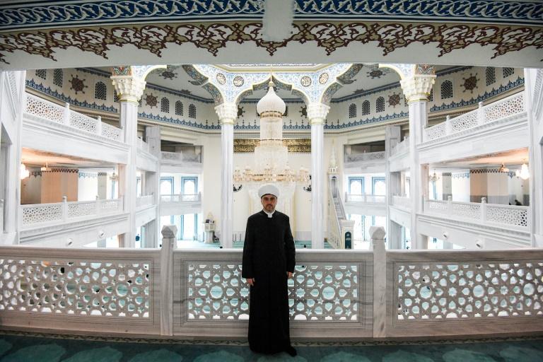 روشان ابيازوف احد اعضاء مجلس الافتاء في روسيا خلال مقابلة معه في مسجد موسكو في 23 مايو 2019
