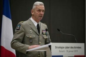 رئيس هيئة أركان الجيوش الفرنسية الجنرال فرنسوا لوكوينتر