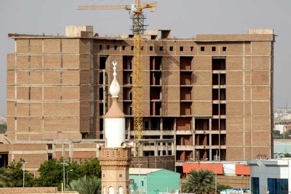 المقر الرئيس لحزب المؤتمر الوطني الذي كان يقوده الرئيس السوداني المعزول عمر البشير في 28 يوليو 2019