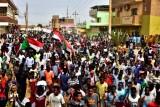 الآلاف يتظاهرون في السودان تنديدا بمقتل ستة في الأبيض