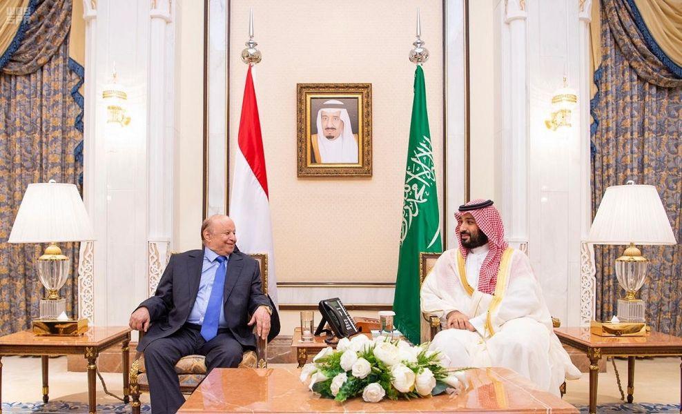 ولي العهد السعودي مجتمعا مع الرئيس اليمني في منى