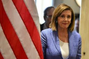 رئيسة مجلس النواب الأميركي نانسي بيلوسي تصل للمشاركة في مؤتمر صحافي في هندوراس في 10 أغسطس 2019