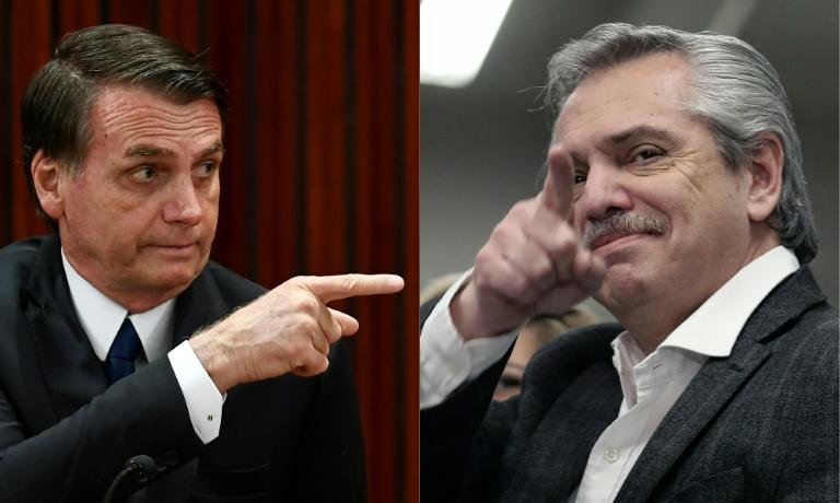 تراشق كلامي بين المرشح الارجنتيني للرئاسة البرتو فرنانديز (يمين) والرئيس البرازيلي اليميني جايير بولسونارو