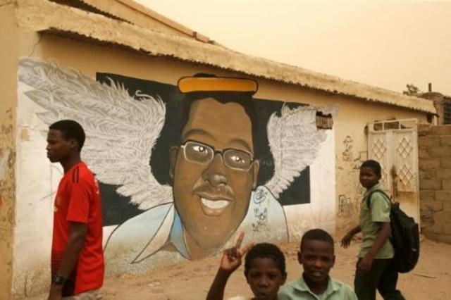 غرافيتي في الخرطوم لشاب قتل في احتجاجات في السودان في 22 تموز/يوليو 2019