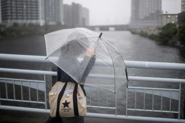 إعصار مدمر يزور اليابان في الساعات المقبلة