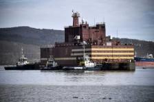 أول محطة نووية عائمة تتحضر لعبور مياه القطب الشمالي