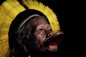 زعيم السكان الأصليين في البرازيل راوني ميتوكتيري