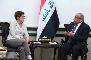 وزيرة الدفاع الالمانية انغريت كرامب كارنباور مجتمعة في بغداد مع رئيس الوزراء عادل عبد المهدي