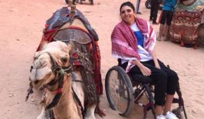 آية أغابي وتحدي السياحة في الصحراء