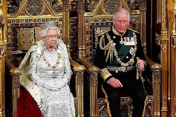 """تشارلز يستعد لمهمة """"ملك الظل - الوصي"""""""
