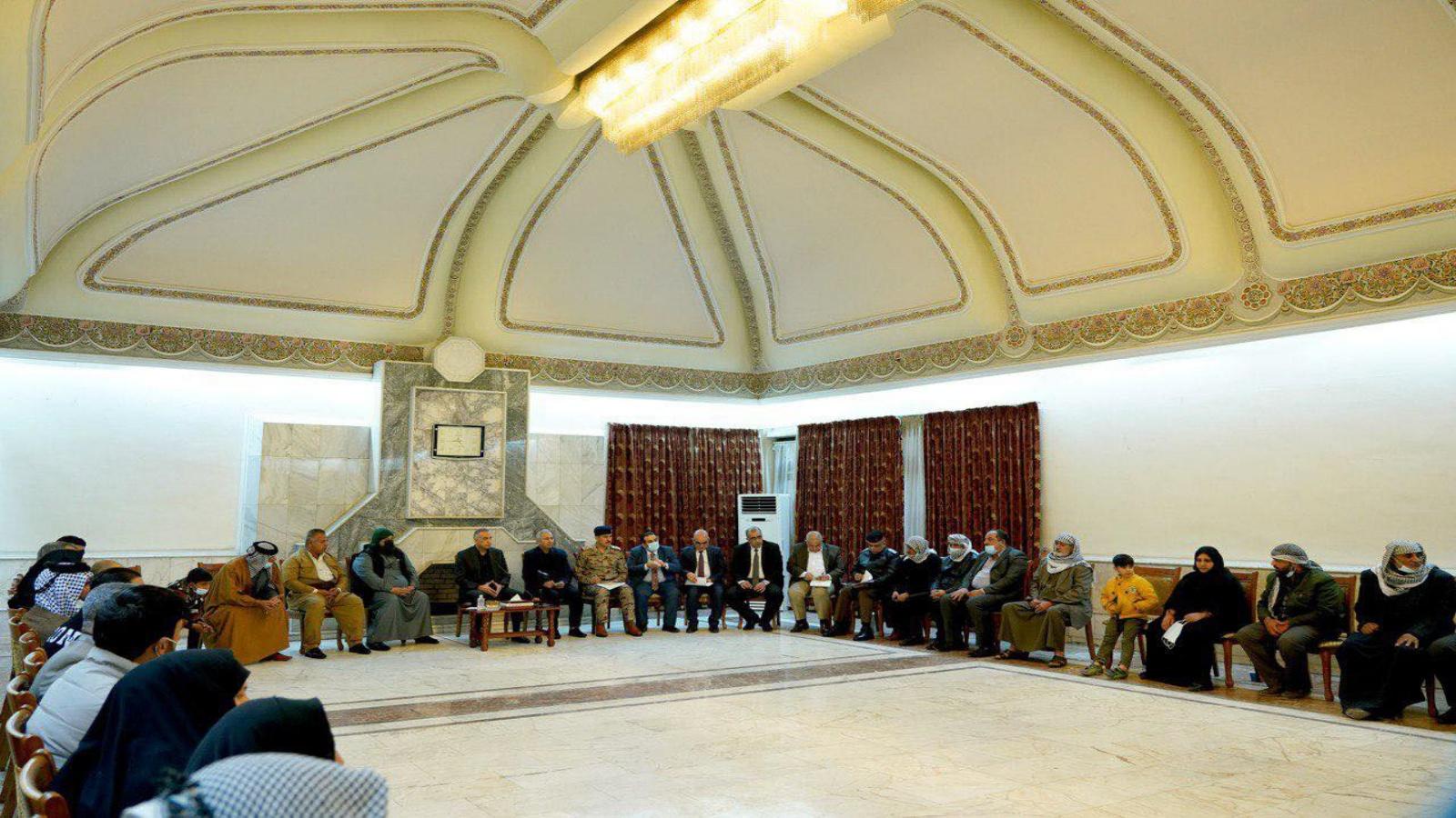 الكاظمي ملتقيا السبت عوائل ضحايا التفجير المزدوج وسط بغداد الاسبوع الماضي