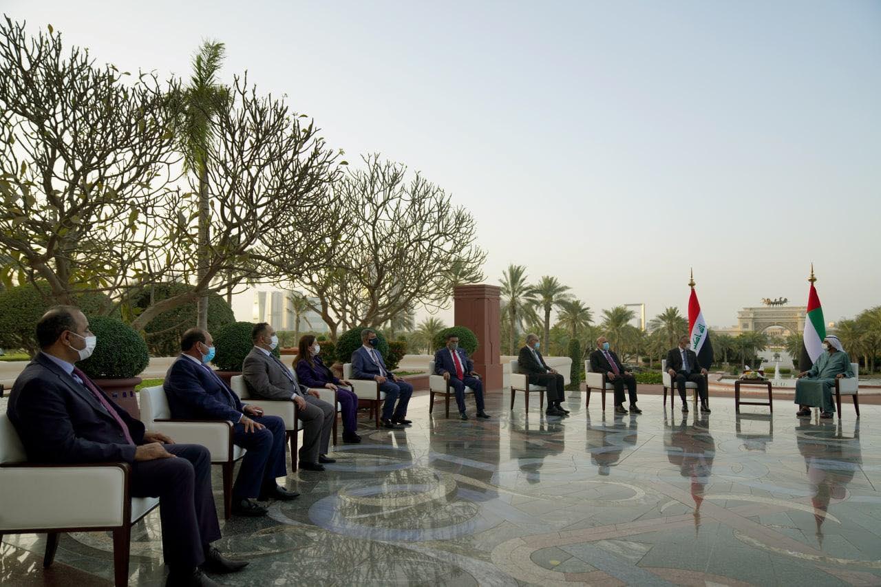 الشيخ محمد بن راشد مستقبلا في دبي الكاظمي والوفد المرافق له