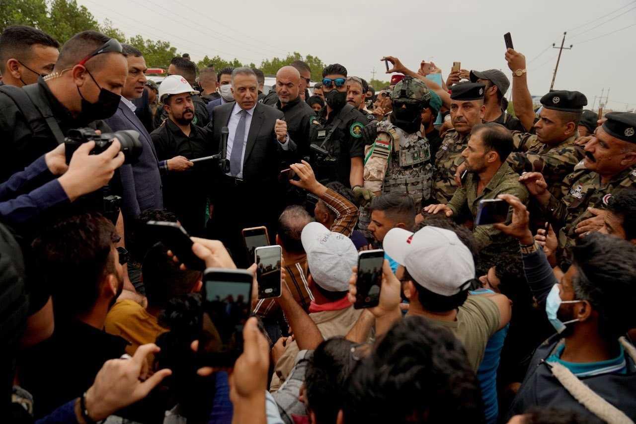 الكاظمي ملتقيا في البصرة الاحد متظاهري المحافظة